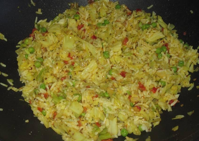 Как тушить картошку на сковороде с водой без мяса