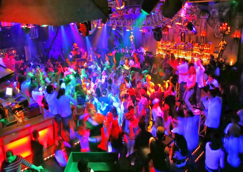 Видео порно вечеринок в ночных клубах новосибирска пьяная девушка
